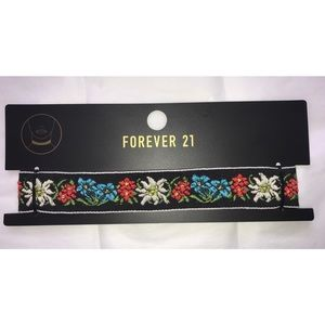 NWT Floral Choker Necklace